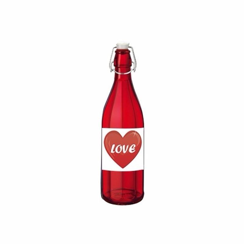Liefdesdrank in glazen fles rood