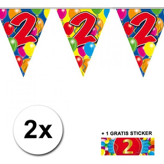 2x vlaggenlijn 2 jaar met gratis sticker