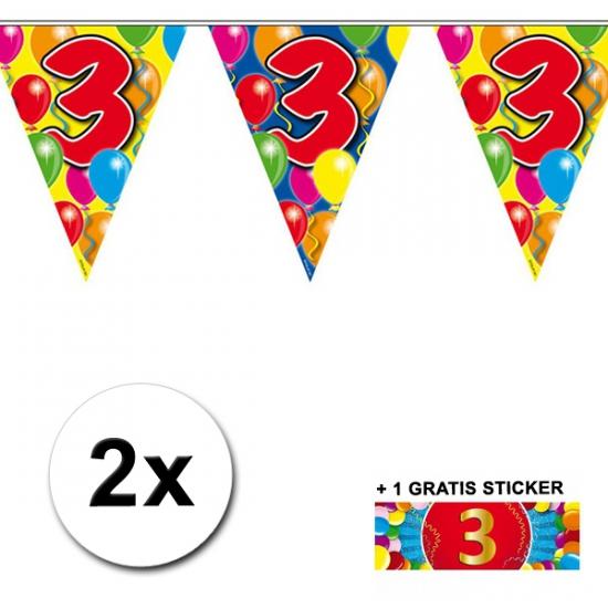 2x vlaggenlijn 3 jaar met gratis sticker